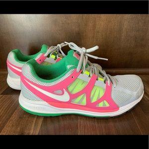 Women's Nike shoes size 8